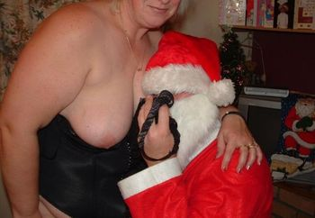Sx: Santa Is Cummin!