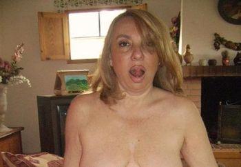 Lella Italian Wife