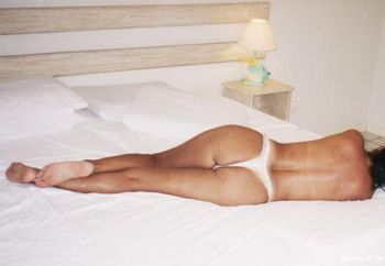 Mag Naked In The Bed