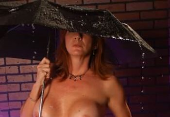 ww:tawny  is getting wet...
