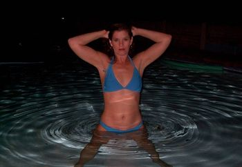 jessie in the pool
