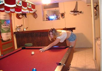 Sunnyd Playing Pool