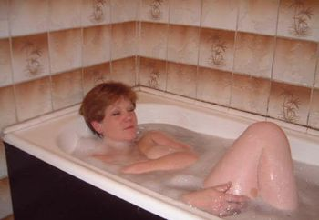 Lynda Enjoying Bath