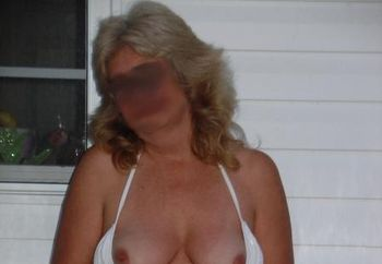 Wife Cums Out