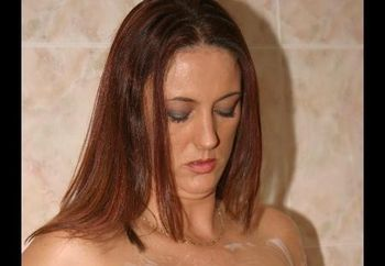 Juicy-jo's Shower Time