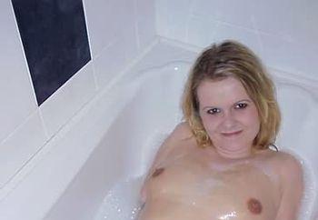 asha in the bath