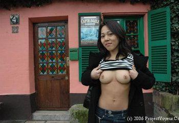Nip: Julie In Amelie Poulain District