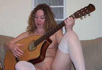 while skye's guitar gently weeps