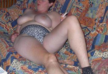 Juli Show Her Boobs 2