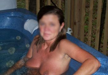 Annette In The Tub