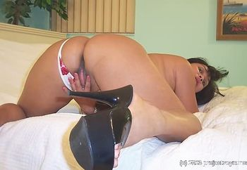 ari: hot asian wife ready for a cream pie