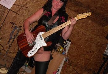 girl, leather & guitars