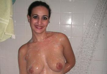 Arya in the shower