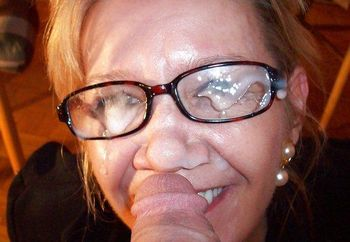 mature women-cum on face
