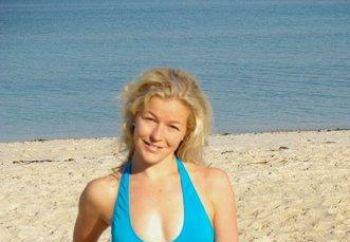 Shakira beach 2