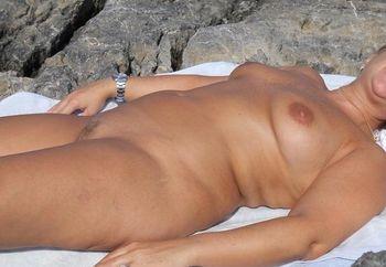 al mare.......nuda