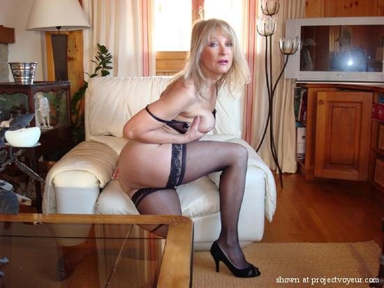 Porno actress shoots self
