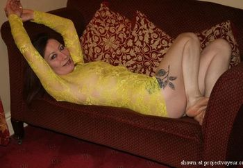 vemp in yellow lace