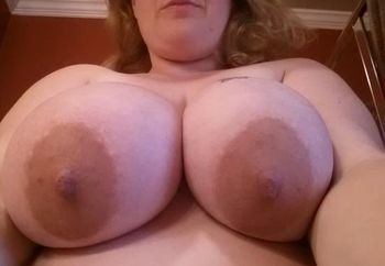 preggo bbw wife pt 2 (fully nude)