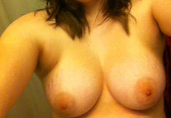 boob flashes from gf