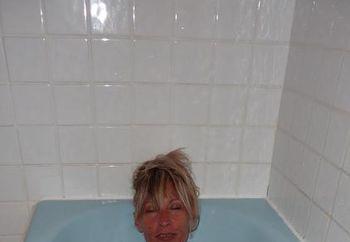 Dendera and the blue bathtub