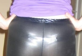 slut in latex leggins