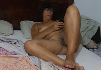Divers mature wife