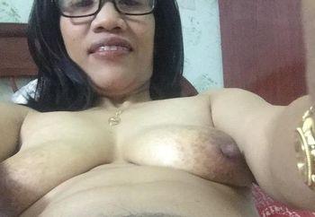 my hairy filipina pussy