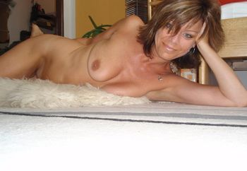 Jana a 52y old nurse