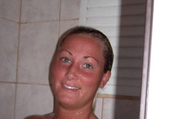 Tanlines and shower