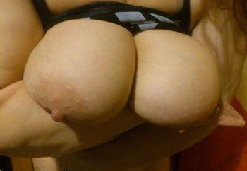 top tits