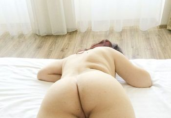 Who want to fuck her?