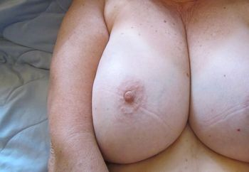 BettyLou shows Bg Tits!