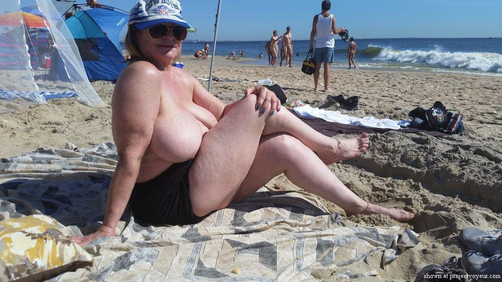 day at nude beach - image4