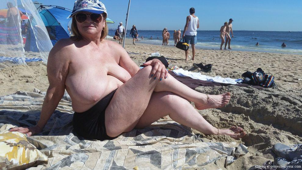 day at nude beach - image5
