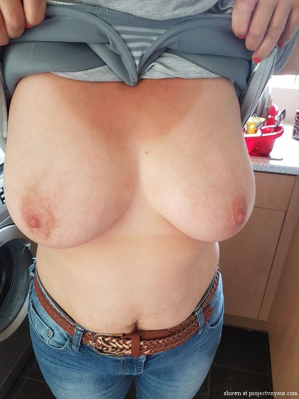 She likes to show tits - image5