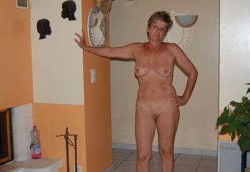 Amatuer grannies masturbation pics and tubes