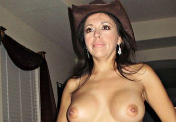 Amatuer cowgirls naked 5