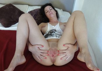 Beautiful Mature Slut Apread Wide Open
