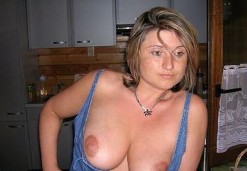 show boobs