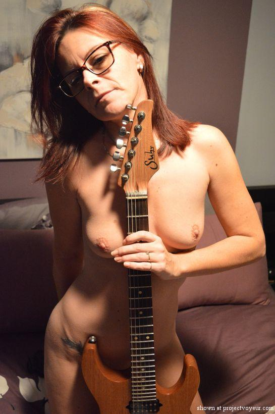 Sexy french milf and guitar - image3