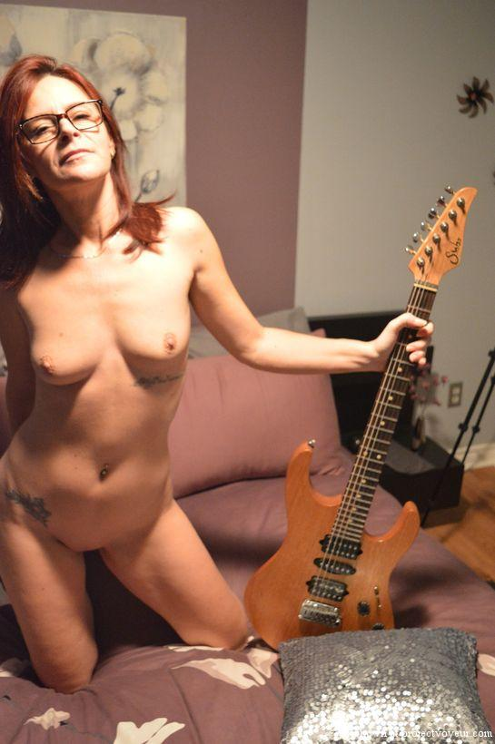 Sexy french milf and guitar - image4