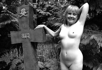 lil minx in the forest 2