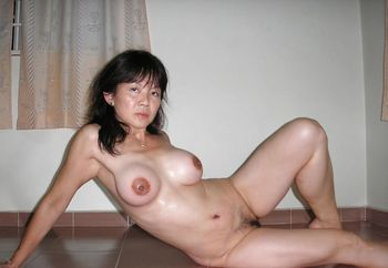 malaysian girls pose naked