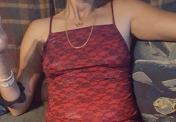 devil in red skirt 4