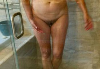 Hot Lizzy Shower