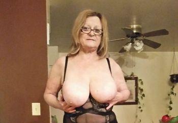 hoty grandma