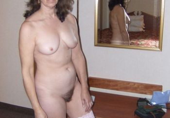 Mature wife granny hotel blowjob cumshot