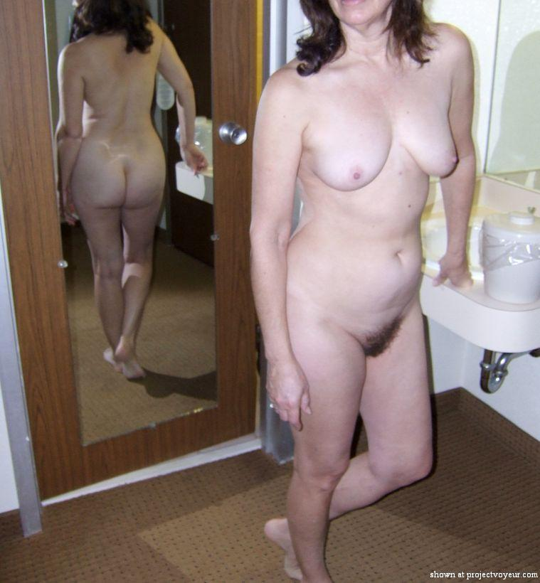 Mature wife hotel poses - image2