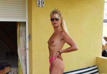 outdoor flashing Coco the blonde slut